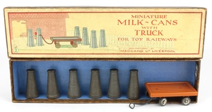 Hornby 2 milk cans x128