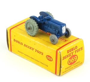 Dinky 069 massey tractor x401