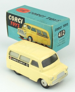Corgi 412 bedford ambulance x725