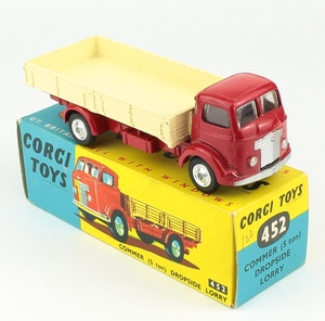 Corgi 452 commer dropside lorry yy142