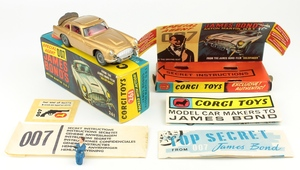 Corgi 261 james bond aston martin yy291