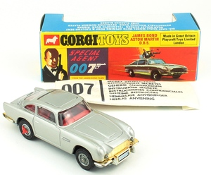 Corgi toys 270 james bond aston martin yy659