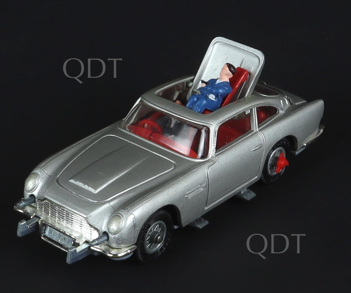 Corgi Toys 270 James Bond Aston Martin
